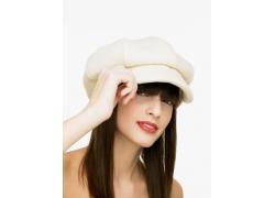 戴帽子的时尚外国女孩图片
