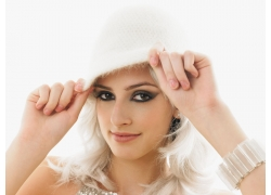 银白色头发的可爱女孩图片