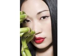 化浓妆的魅力女人图片
