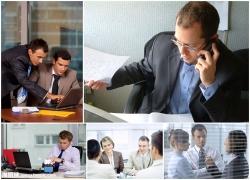 在办公室交谈的商务人士高清图片(5p)