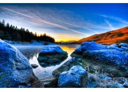 林间小河自然风景图片