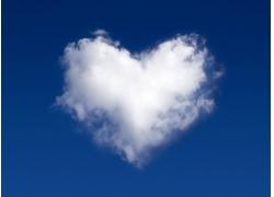 心型云朵高清图片