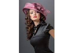 戴帽子的外国美女高清图片