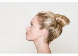 美女时尚发型侧面高清图片