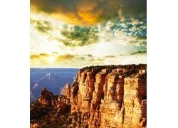 天空下的黄土高山图片