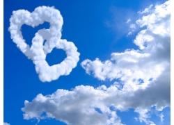 两个心形白云高清图片