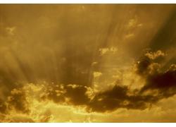 云层里的阳光高清风景图片