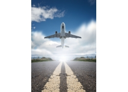 脱离地面的飞机图片