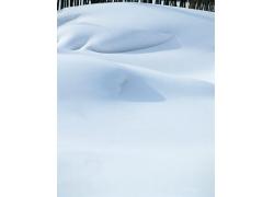 洁白的雪地风景图片