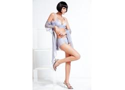 蓝色内衣气质模特图片
