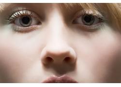 长睫毛的俄罗斯美女高清图片