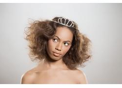 爆炸式发型的黑人美女高清图片