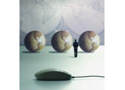地球仪和鼠标高清图片