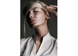 做发型的魅力女性模特高清图片