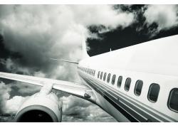 空着飞机特写黑白图片素材