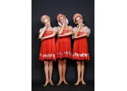 表演舞蹈的俄罗斯女孩高清图片