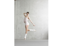 优美舞姿的外国美女演员高清图片