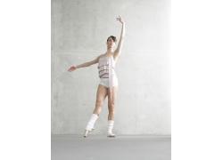 表演优美舞蹈的外国美女高清图片