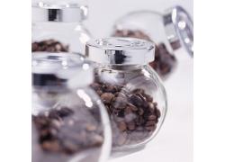 玻璃罐子里的咖啡豆摄影高清图片