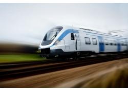 飞速行驶的火车摄影高清图片