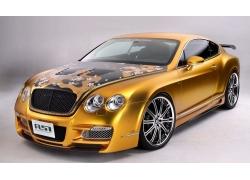一辆豪华金色轿车特写高清图片