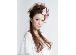可爱美女时尚发型设计图片