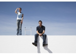 男人女人及梯子图片