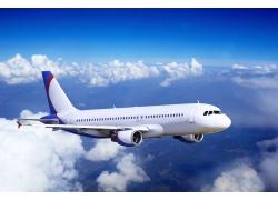 蓝天白云飞机