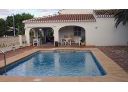家庭泳池摄影图片