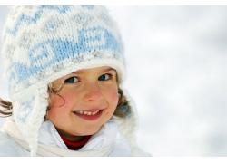 微笑的可爱小女孩图片