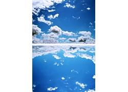 蓝天白云与倒影