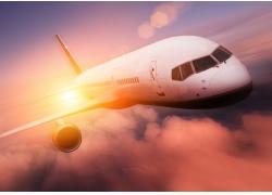 黄昏时的飞机