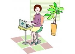 玩电脑的卡通美女图片