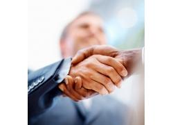 商谈合作握手