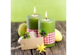 四叶草与鸡蛋蜡烛