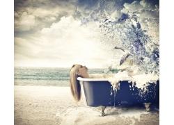 浴缸里的美女