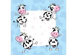 蓝色花纹背景下的奶牛