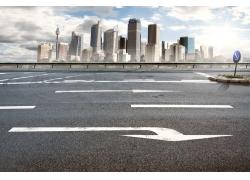 城市周围的公路图片