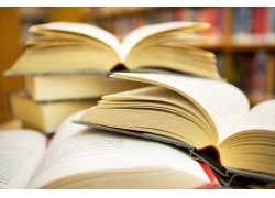 图书馆里的书本