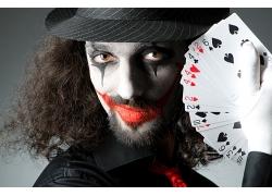 玩扑克牌的魔术师