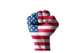 拳头上的美国国旗图片