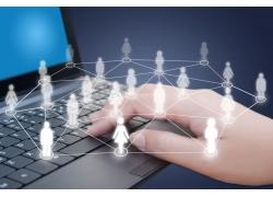 笔记本电脑键盘上的人物关系网