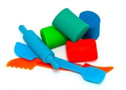 橡皮泥和玩具