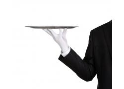 男服务员手中的托盘