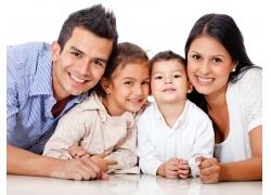 微笑幸福的家庭图片