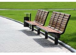 公园里的休闲椅