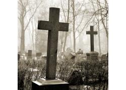 墓地里的十字架