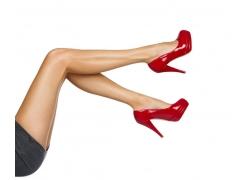 躺着翘起美腿的性感女人图片