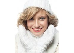 微笑的冬天女孩图片