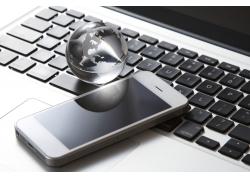 水晶地球与手机